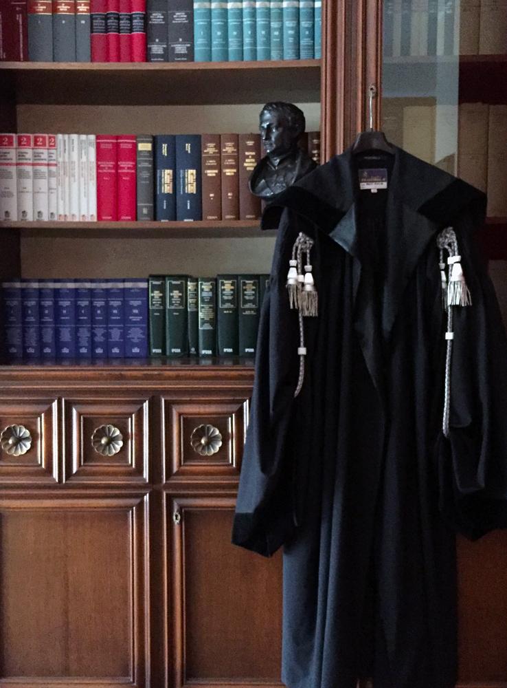 Immagine della toga dell'avvocato Giuseppe Maio